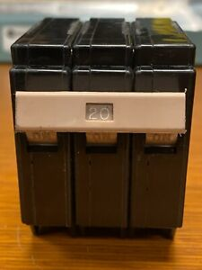👀 CUTLER HAMMER 20 AMP CIRCUIT BREAKER 3 POLE 240 VAC CH320