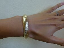 Vintage 14k yellow gold etched engraved bow bangle bracelet hinged wide 12.7g