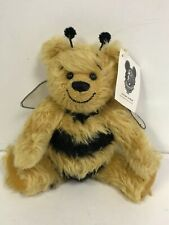 "MINT Happy Tymes Global Design by Bev White 'POOH BEE DREAMIN' L 18cm 7"" #156"