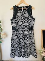 KATIES Black White Floral Size 14 Sleeveless Fit & Flare Knee Length Knit Dress