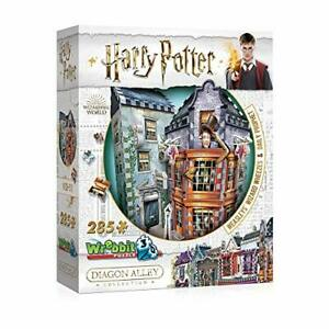 WEASLEYS' WIZARD WHEEZES playing 3D Puzzle