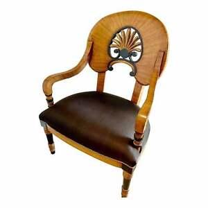 Biedermeier Fabulous 19th century Arm Chair in walnut Veneer