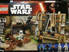 LEGO STAR WARS BATTLE ON TAKODANA 75139  NEW IN FSB FEATURES 409 PIECES