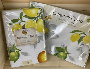 Benson Mills-Bundle- Botanical Citrus70in Round Tablecloth/13in x 18in Placemats