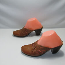 Clarks Womens Shoes Clogs Slip Ons Brown Camel Size 9