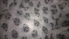 tissu voile polyester skulls N&B 100x140 cm