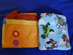 2 Baby Toddler Hooded Character Swim Bath Poncho Towels Hey Duggee and Toy Story