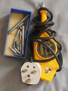 VINTAGE POWERLINE ELECTRIC ENGRAVER + BITS, IN ORIGINAL BOX