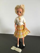 VINTAGE SINDY DOLL 1980s 1970s WEARS LOVELY LIVELY OUTFIT SHOES BRUSH BLONDE