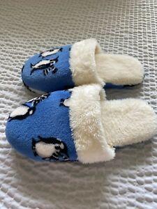 Vera Bradley Women's Slippers Penguins Intarsia Blue Fleece Slip-On Size 7-8