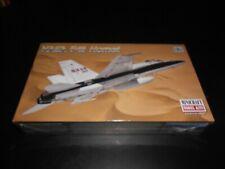 MINICRAFT 11656, 1/72 NASA F-18 HORNET PLASTIC MODEL KIT