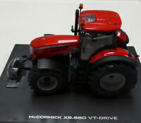 MODEL TRACTOR MODEL McCORMICK X8.680 VT-DRIVE 1/32nd By Universal Hobbies