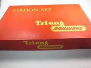 VINTAGE TRI-ANG RAILWAYS HO/OO R.81 Station Set Platform Ticket Office BOXED 60s