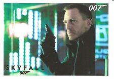 James Bond 007 Skyfall Gold Parallel Insert Trading Card #39 (33 of 100)
