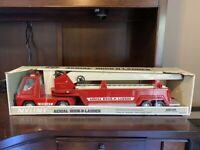 NEW-VINTAGE NYLINT NO. 1211 AERIAL HOOK N LADDER FIRE TRUCK, STEEL BOX 10100