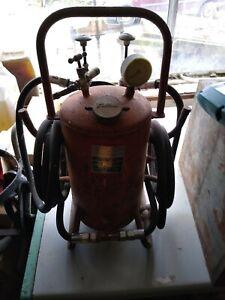 Vintage sellac pnumatic air Grease Pump/gun