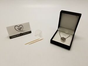 Cremation Memorial Urn Necklace for Dogs Cats Reptiles by Davelle Pets