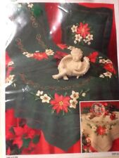 "Christmas Stitchery Table Runner 16"" x 40"" Green Red Pointsettia Crewel Kit  NEW"