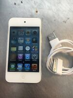 Apple iPod touch 4th Generation White (16 GB) PERFECT SCREEN