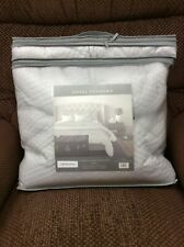 Hotel Vendome Luxury King Quilt Set, New in Package, Light Silver/Gray