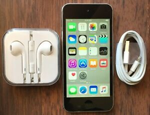 Apple iPod Touch 5th Generation Black & Silver (16 GB)