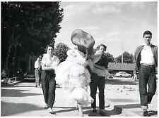 "Tournage du film ""La Belle Otero"", 1954 Silver print. La Belle Otero est un film"