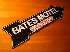 BATES MOTEL VACANCY ARROW Movie Prop Halloween Sign Haunted House Decor NEW