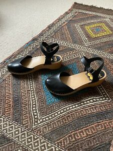 Swedish Hasbeens Black Closed Toe Clogs Sandals Size 37