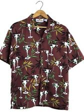 SUN CASUALS Size M Brown Bamboo Martinis Cocktails Tropical  Hawaiian Camp Shirt