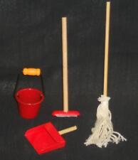 Kehr- und Wisch- Set, 4 tlg.,Maßstab 1:12,Miniatur f. Puppenstube/Puppenhaus