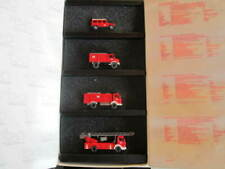 Camions miniatures rouges 1:87