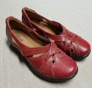 CLARKS Evianna  Women's shoes brick red leather Flat Model 26107276 SIZE 6.5 M