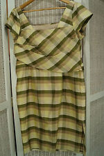 Vintage 1960s-70s Silk Plaid Dress M-L Sash Bodice-Waist Size Medium-Large