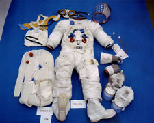 The spacesuit worn by Apollo 11 astronaut Neil Armstrong UNSIGNED photo - K3321