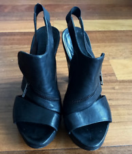 AWESOME LD Tuttle Platform Sandals with zip detail size 7 SO COOL