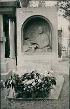 Paris, tombeau du libraire Honoré Champion au cimetière du Montparnasse Vintage