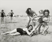Vintage 1939 Photo *FOUR KING SISTERS* Beautiful Girls Playing Ball on the Beach