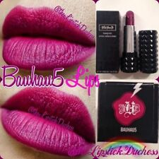 Maquillage des lèvres mat Kat Von D