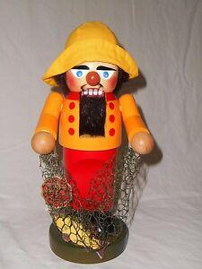 Steinbach Volkskunst Chubby Ocean Fisherman Nutcracker Net Fish Yellow Hat Red