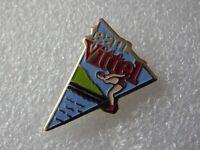 Pin's vintage épinglette Collector publicitaire eau VITTEL Lot PE085