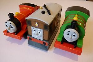 3x Thomas & Friends Push Along Trains Toby and Percy use batteries James doesn't