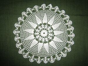 Häkeldeckchen Spitzendeckchen Deckchen weiß Baumwolle ca. 24 cm Durchmesser