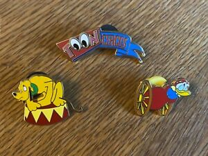 DISNEY DLRP 3 TOON CIRCUS PINS - BANNER PLUTO AND DONALD DUCK