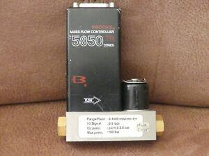Brooks Mass Flow Controller 5850 TR Series