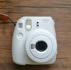 Fujifilm Instax Mini 9 Camera - Smooky White