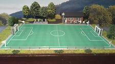 Fußballplatz mit Vereinsheim und Tribühne | Spur N 1:160 | Bausatz