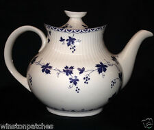 ROYAL DOULTON ENGLAND YORKTOWN TEAPOT 44 OZ BLUE GRAPEVINE RIBBED TC1013