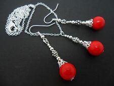 Un corallo rosso Perline Collana E Orecchini Set. NUOVO.
