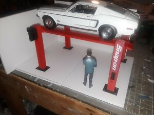 1:18th Scale RED 4 Post Model Car Lift for Garage Diorama 1/18th Scale