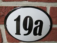 Hausnummer Oval Emaille schwarze Zahl Nr. 19a  weißer Hintergrund 19 cm x 15 cm